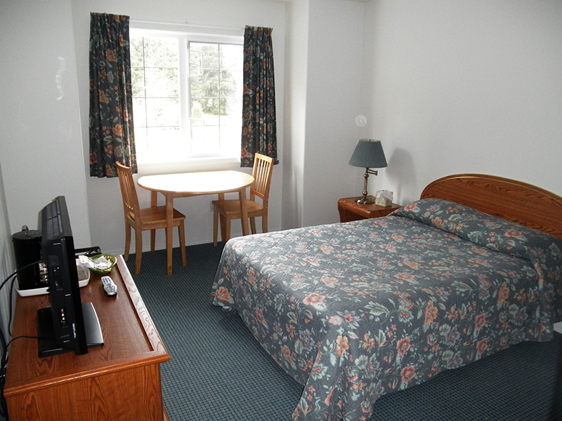 Sayward Valley Resort Motel Room